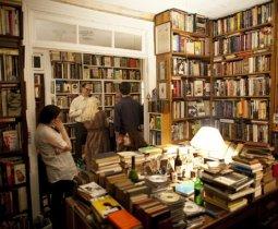 Satın Alıp da Okumadığımız Kitapların Üzerimizdeki Etkisi