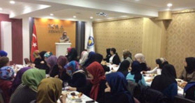 İkra Hanımlar Komisyonu Üniversiteli Gençlerle Buluştu